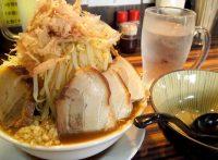このイメージ画像は、このサイト記事「おすすめ『二郎系ラーメン 大阪 まとめ』 ネットで話題 YouTube無料動画ご紹介!」のアイキャッチ画像として利用しています。