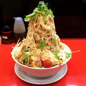 このイメージ画像は、このサイト記事「おすすめ『二郎系ラーメン 東京 まとめ』 ネットで話題 YouTube無料動画ご紹介!」のアイキャッチ画像として利用しています。